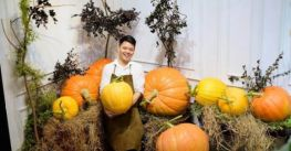 Người Hà Nội săn bí ngô 'siêu khổng lồ' giá chục triệu chơi Halloween